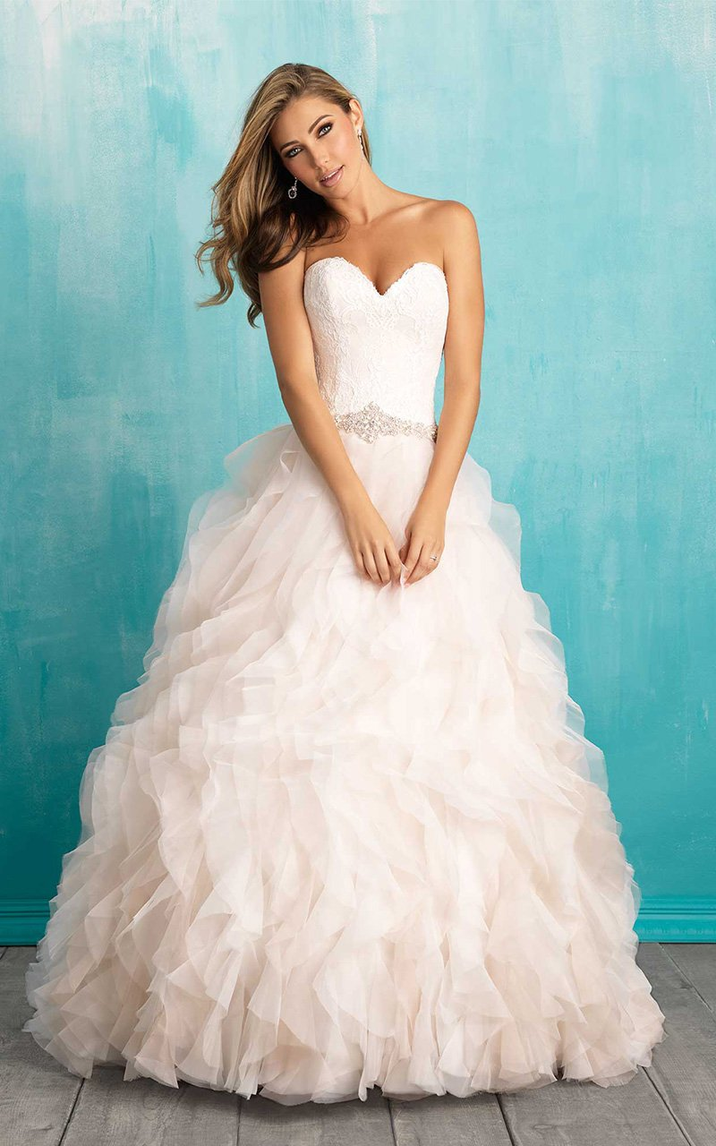 Hitched Bridal and Formal Wear - Plus Size Wedding Dresses Iowa